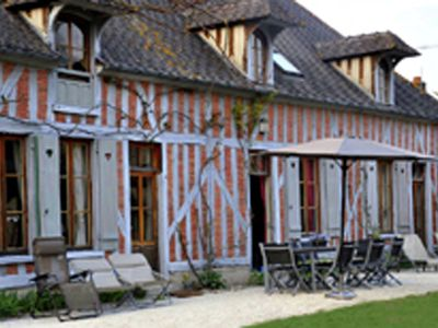 Photo for Beautiful holiday home with heated pool in Champagne