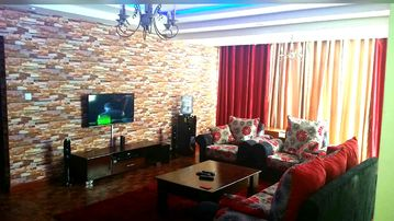 Family friendly 3 bedroom all ensuite apartment