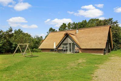 Photo for 5 bedroom accommodation in Henne