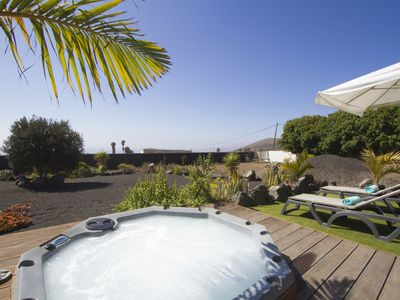 Photo for modern accommodation, a spa tub, sea views, satellite TV, Internet, Air conditioning