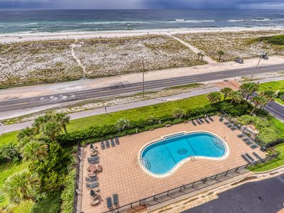 Photo for Comfortable beachside condo w/ a shared pool, tennis, & beach access