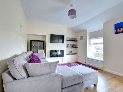 Photo for Apartment Breakaway  in Tenby, Wales - 4 persons, 2 bedrooms