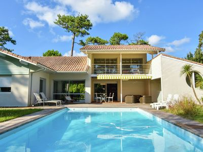 Photo for Luxury house with private heated swimming pool, and 500m from the beach.