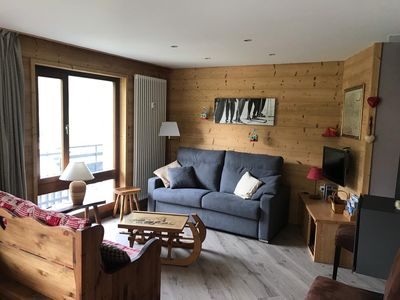 Photo for Large, bright 4 * apartment near the slopes