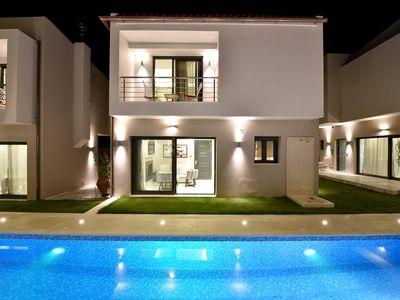 Photo for Family friendly Villa in the heart of the Crete island