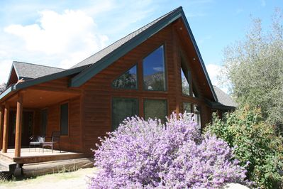 Riverkern Lodge - Custom luxury log home located in the Sequoia National Forest.
