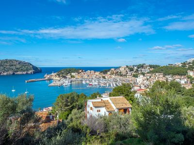 Photo for Villa with stunning views of the picturesque harbor, sunset and the sea