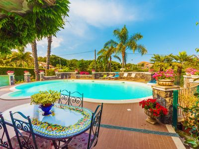 Photo for Private pool, garden, comfortable