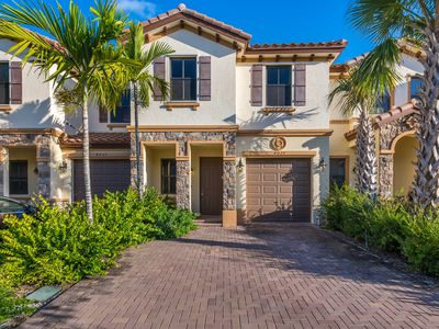Photo for 20% Discount New Coconut Creek/Deerfield Beach Townhouse