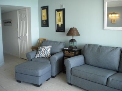 New Living room furniture/queen sleeper and wall hangings