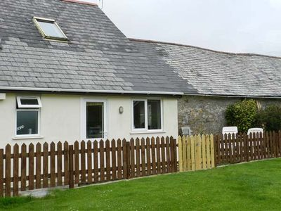 Photo for STABLE COTTAGE, pet friendly, with a garden in Ilfracombe, Ref 19531