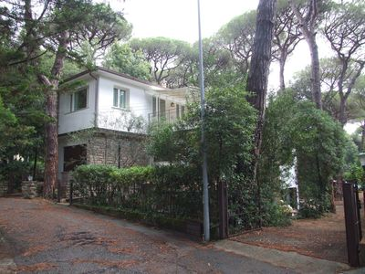 Photo for Nice apartment for 8 guests with WIFI, TV, patio, pets allowed and parking