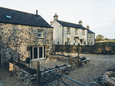 Photo for 2 Bed converted stone farmhouse, stunning character, views & location