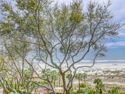 Photo for Oceanfront condo w/ shared pool & hot tub, fitness center, tennis, & great views