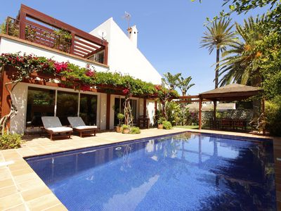 Photo for Charming, beachfront house with tropical garden and private pool