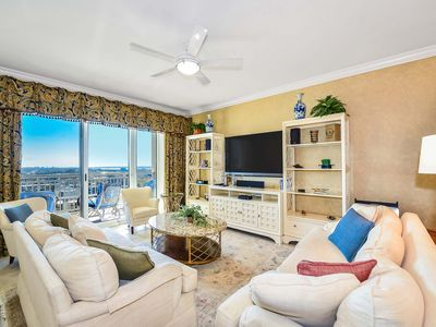 Photo for Gateway Grand 1205 Deluxe unit offers a George Foreman Grill, Game Table and linens!!