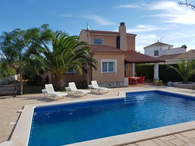 Photo for 4BR Villa Vacation Rental in L'AMETLLA DE MAR