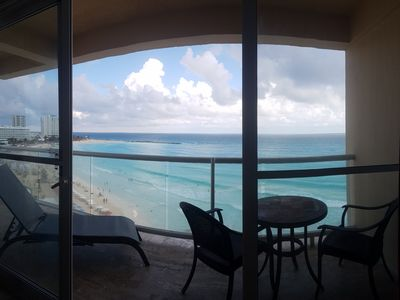 Photo for Beachfront Condo in Cancun´s Heart