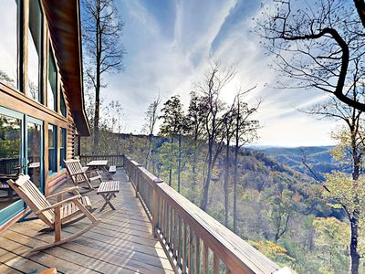 "Photo for 4BR ""SkyRidge"" - Private Hot Tub, 2 Fireplaces, Mountain-View Deck"
