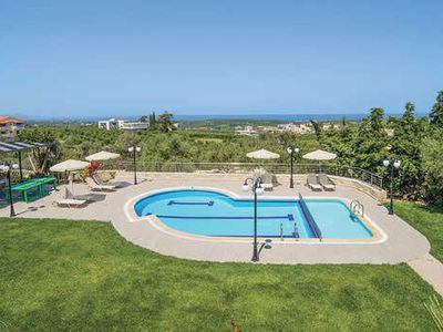 Photo for Spacious, modern villa ideal for a family or group of friends, with amazing views, trees, a pool and Wi-Fi