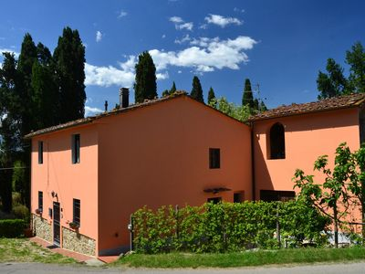 Photo for Centrally located for the cities of art in Tuscany in a picturesque area