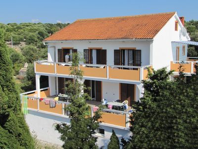Photo for Apartments ZORA for up to 20 people near the sea in Lun
