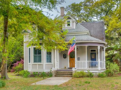 Photo for Beautiful Victorian Within Walking Distance To Everywhere!