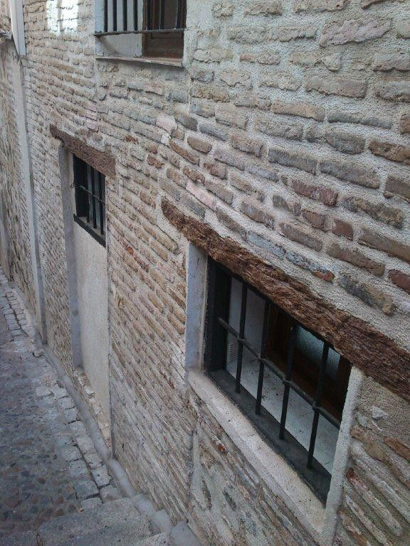 Charming Apartment For 4 In Toledo S Old Quarter With