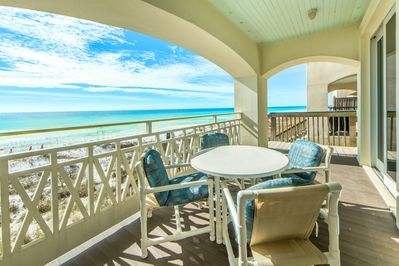 Dine Outside with a Breaktaking View!