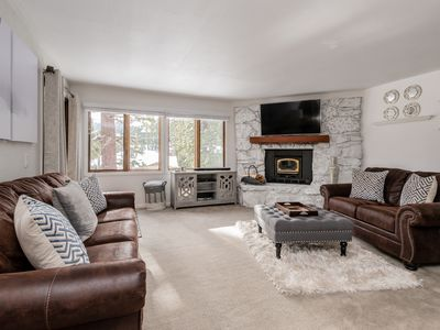 Photo for Mountain condo with views, resort amenities and close proximity to Canyon Lodge