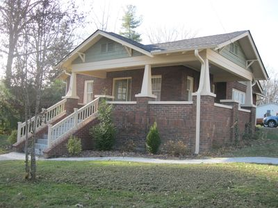 Photo for Relaxing brick Bungalow between Flat Rock and Hendersonville