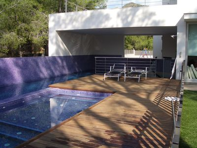 Photo for Villa / Luxury villa with pool in a residential area 3 km from the beach