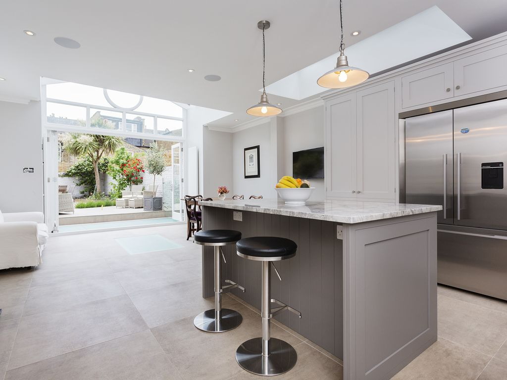 Mighty and magnificent affitto appartamento fulham for Cucina a bovindo