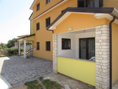 Photo for Two bedroom apartment with terrace Vilanija (Umag)