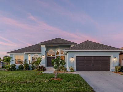 Photo for 🌴 Newly Remodeled 3/2 waterfront home on desirable south side 🌴