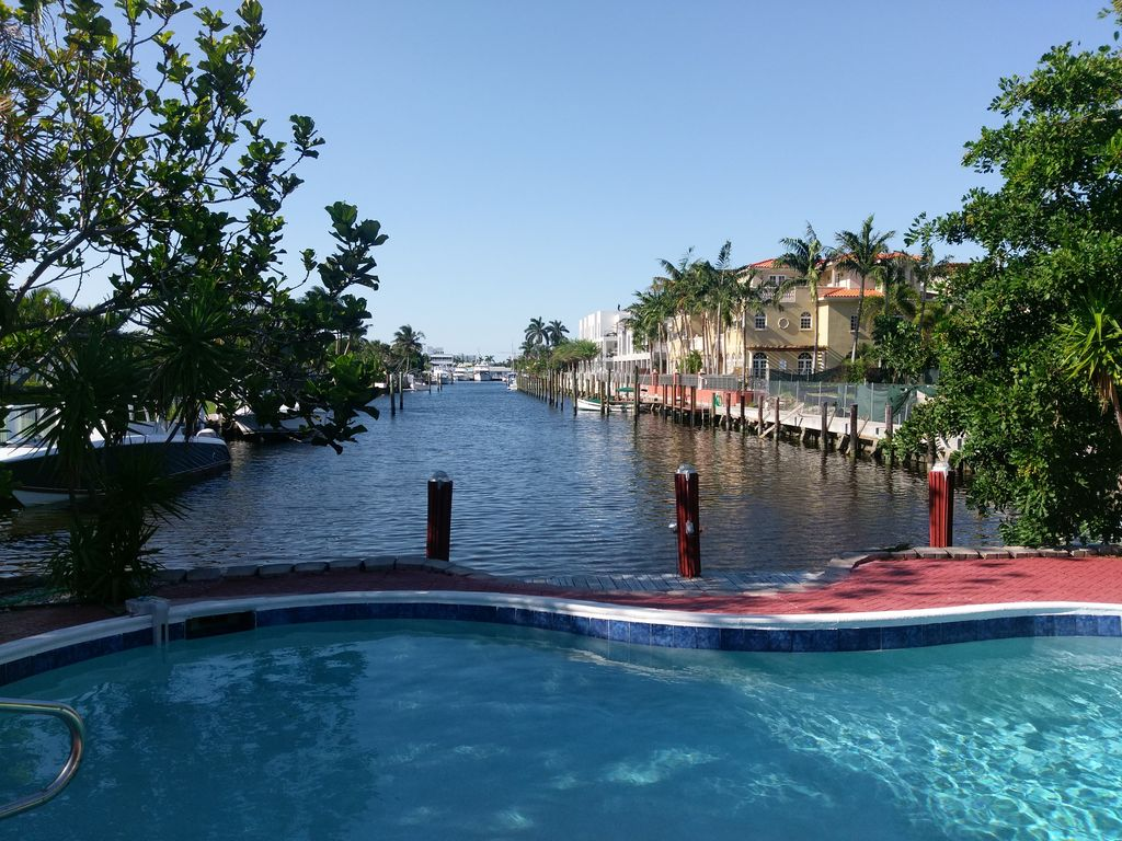 Cozy duplex waterfront pet friendly swimming pool walk - Pet friendly cottages with swimming pool ...