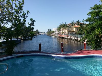 Cozy Duplex Waterfront, pet-friendly, swimming pool, walk to the beach -  Lauderdale-by-the-Sea