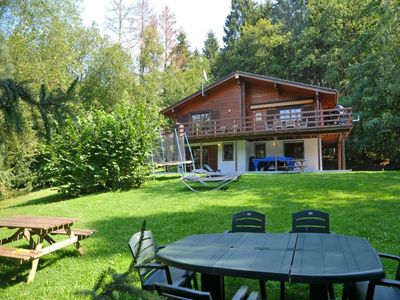 Very nice wooden bungalow for 9 perons situated on the height of Barvaux.