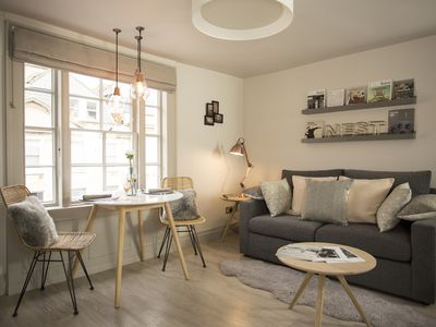 Photo for Artizan's Nest, central, gorgeous Scandi-style, apartment for 2, FREE Parking