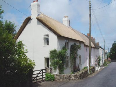 Photo for WINDWHISTLE COTTAGE, family friendly in Hawkchurch, Ref 976016