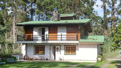 Photo for Campos do jordao , neighborhood Capivari 5 bedroom 4 minutes of center - pay pal
