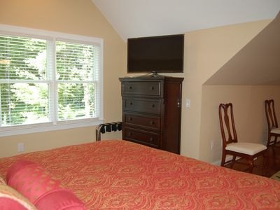 Photo for Luxury 1 King Bed 1.5 Bath Apartment Private Separate Entrance