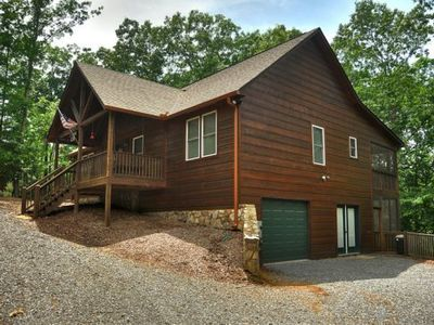 Photo for Charming and Cozy.  Pet Friendly. WiFi.  DirectV.  Near river.  20% OFF with 1 Week Stay.