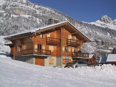 Photo for Traditional chalet, sunny plateau, stunning views.