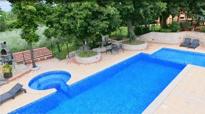 Photo for Holiday apartments with pool and spacious backyard / Apartment with pool *Orion