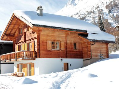 Photo for 4 pers. Apartment in Chalet Campanula directly on the Etherolla slope 4 Valleys