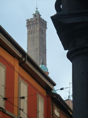"Photo for Apartment ""La Torre Lunga"" ... one step away from the Two Towers of Bologna"