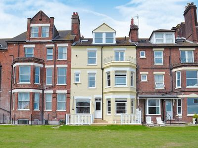 Photo for 3 bedroom property in Cromer. Pet friendly.