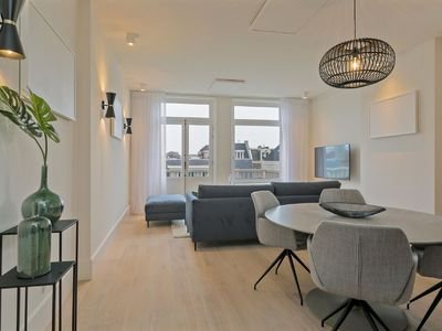 Photo for Apartment in Amsterdam city center, 2 Bedrooms, Sleeps 6
