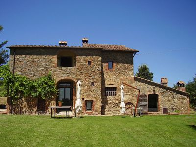 Photo for Wonderful private villa with private pool, WIFI, TV, patio, washing machine, close to Montepulciano